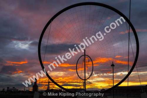 Temenos Sculpture at Middlehaven, Middlesbrough, Cleveland - Middlesbrough, Teesside, sculpture, temenos, Anish Kapoor, hoops, wires, movement,
