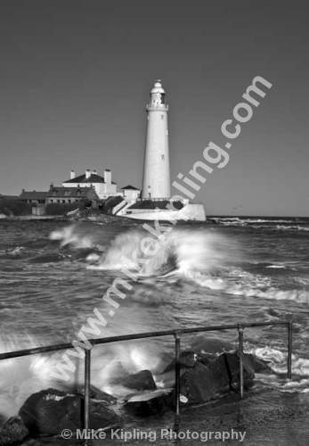 St Mary`s Lighthouse, Whitley Bay, Northumberland Coast - Northumberland, North Tyneside, Whitley Bay, St Marys Lighthouse, coast, seaside, white, movement, monochrome, black and white,
