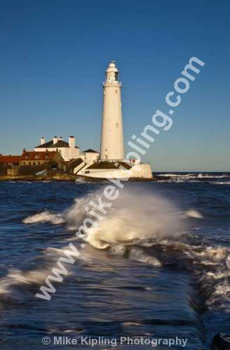 St Mary`s Lighthouse, Whitley Bay, Northumberland Coast - Northumberland, North Tyneside, Whitley Bay, St Marys Lighthouse, coast, seaside, white, movement,