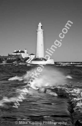 St Mary`s Lighthouse, Whitley Bay, Northumberland Coast - Northumberland, North Tyneside, Whitley Bay, St Marys Lighthouse, coast, seaside, white, black and white, monochrome, movement, waves,
